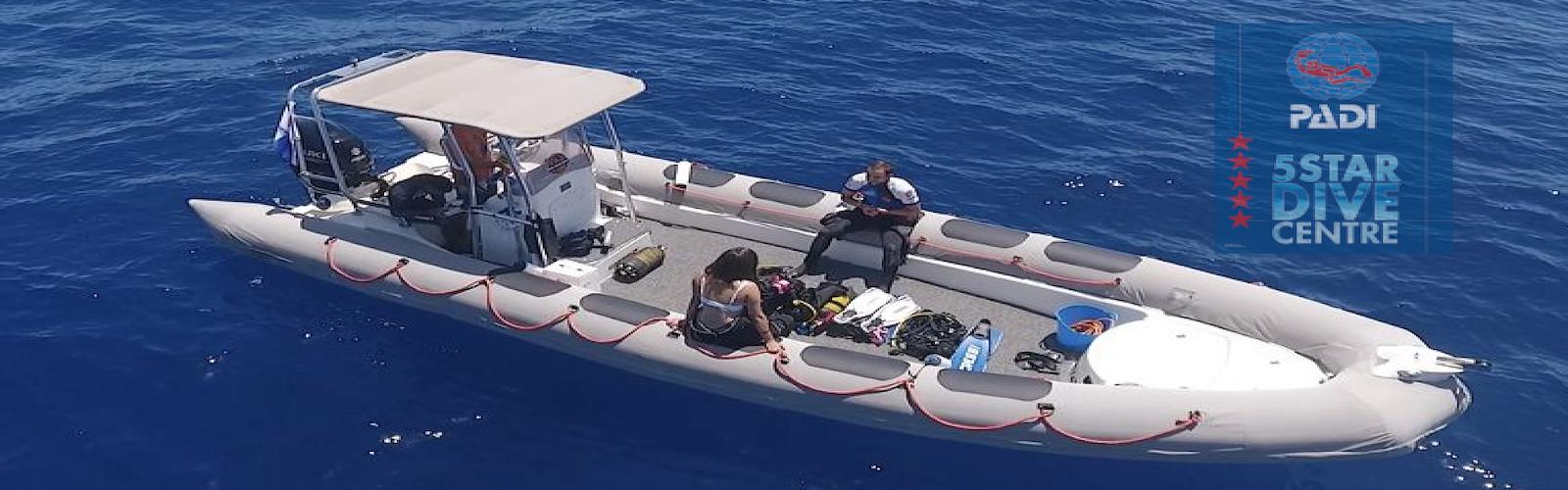 Bucea en Tenerife con Deep Ocean Diver
